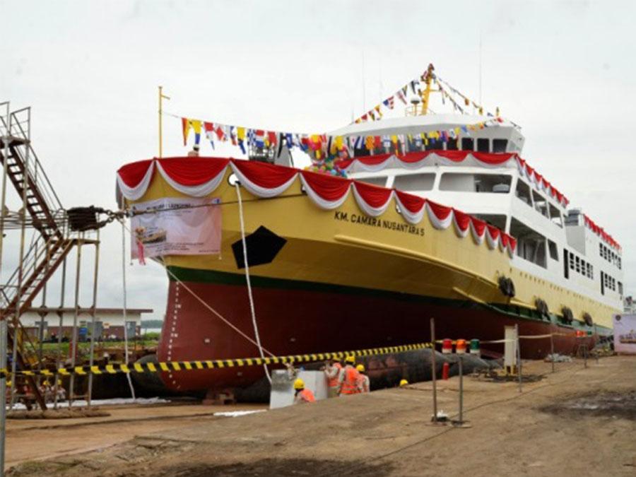 Peluncuran KM. Camara Nusantara 5