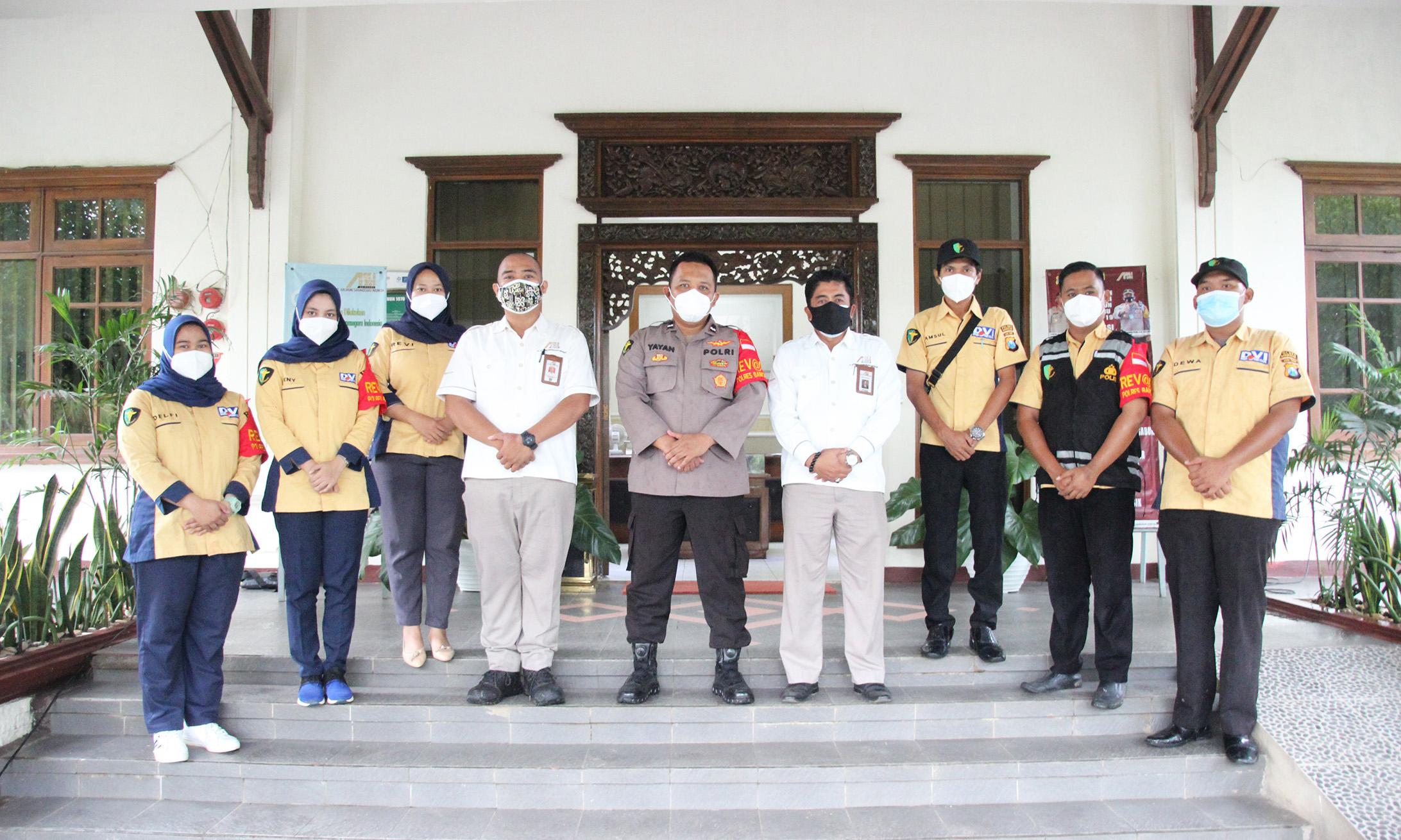 KEGIATAN VAKSINASI KARYAWAN, MITRA DAN CUSTOMER PT. ADILUHUNG SARANASEGARA INDONESIA BEKERJA SAMA DENGAN POLRES DAN DINKES BANGKALAN